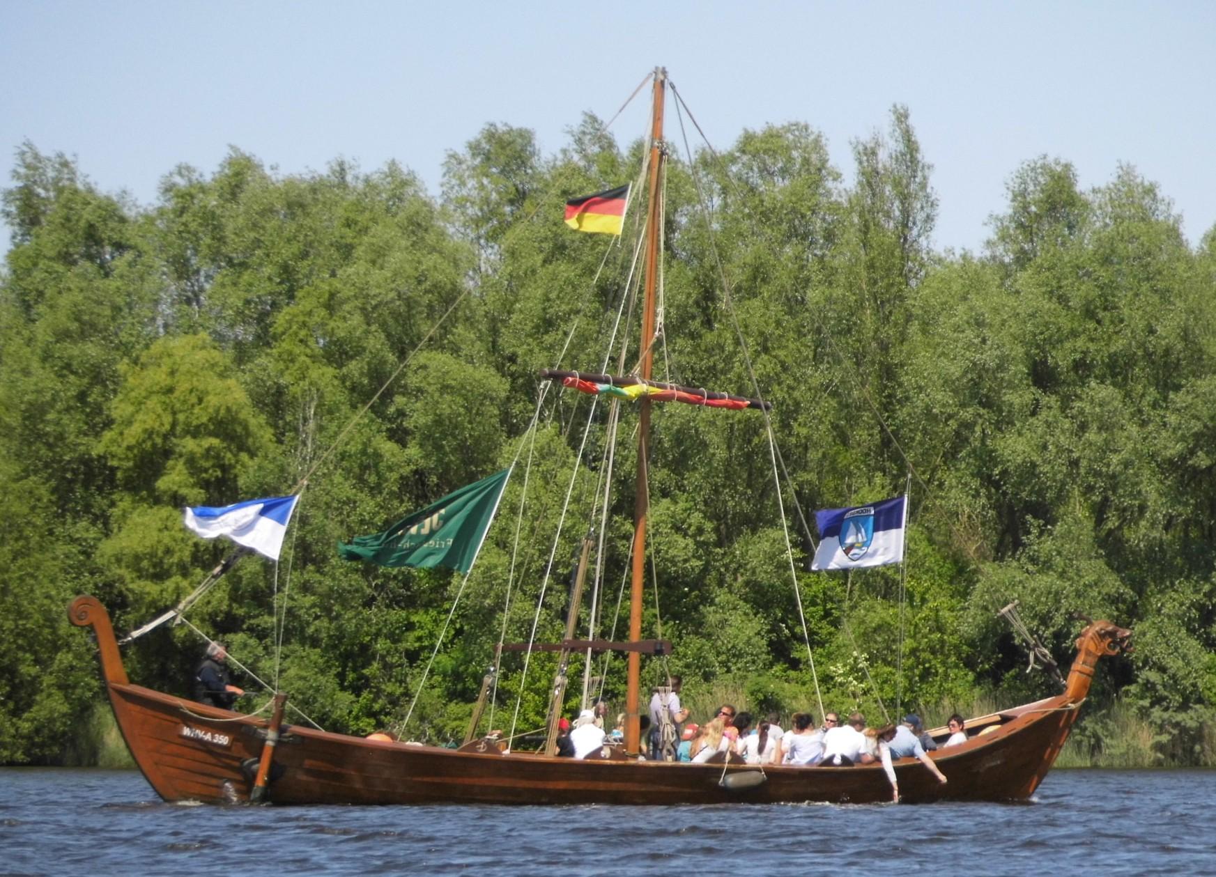 Wikingerschiff auf dem Hooksmeer